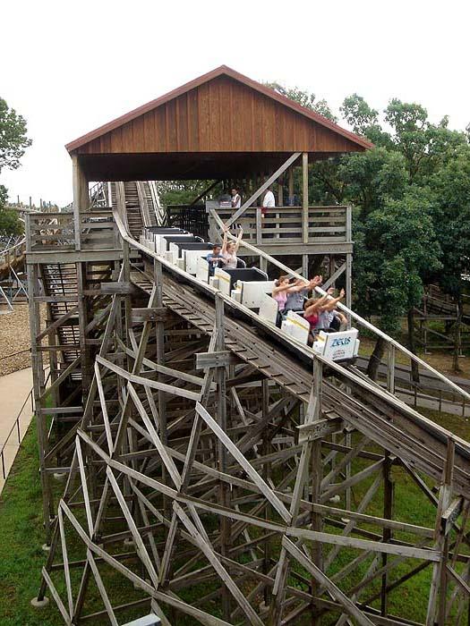 Zeus (roller coaster)