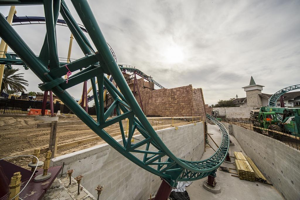 Cobra 39 S Curse New Spinning Coaster For Busch Gardens Tampa Theme Park News Construction