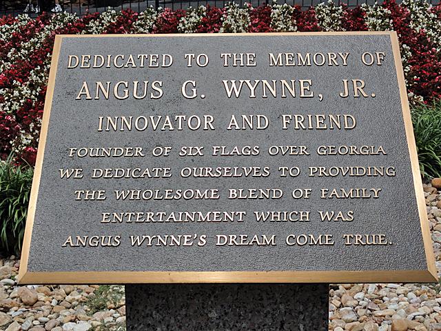 angus_wynne_plaque.jpg