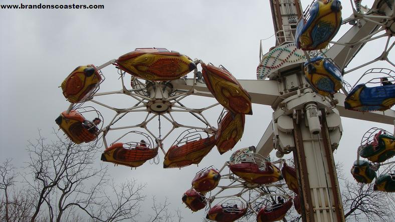 Theme Park Review • Photo TR: Hershey Park Springtime