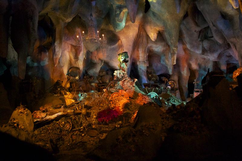 The gallery for --> Treasure Room Aladdin
