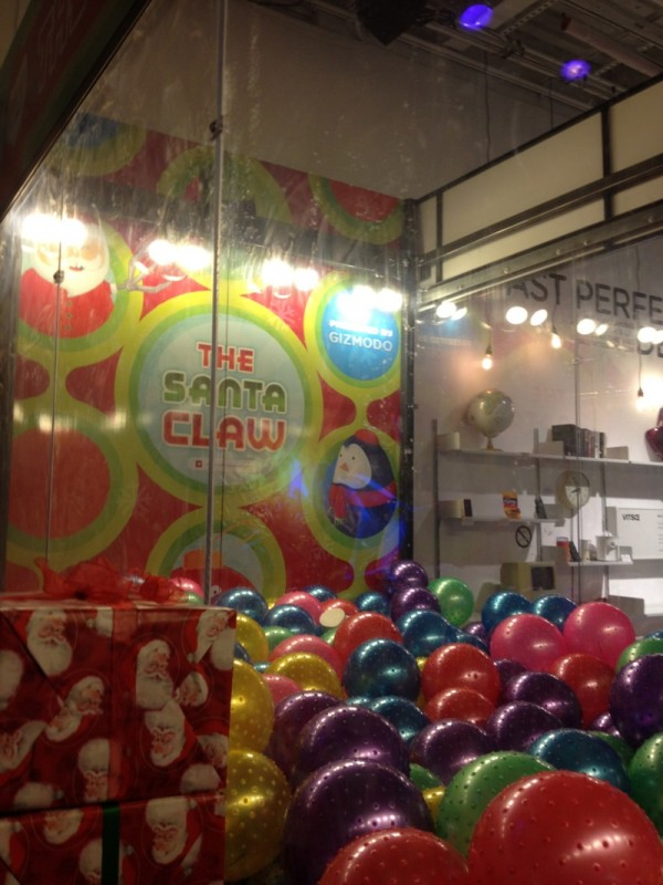 Real Art Design Group Dayton Ohio : The santa claw live machine crane game page