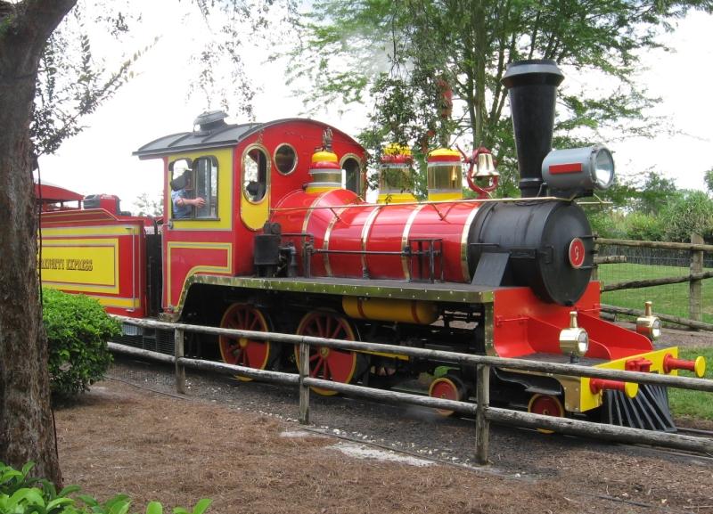 Bushe Gardens Train Pictures 16