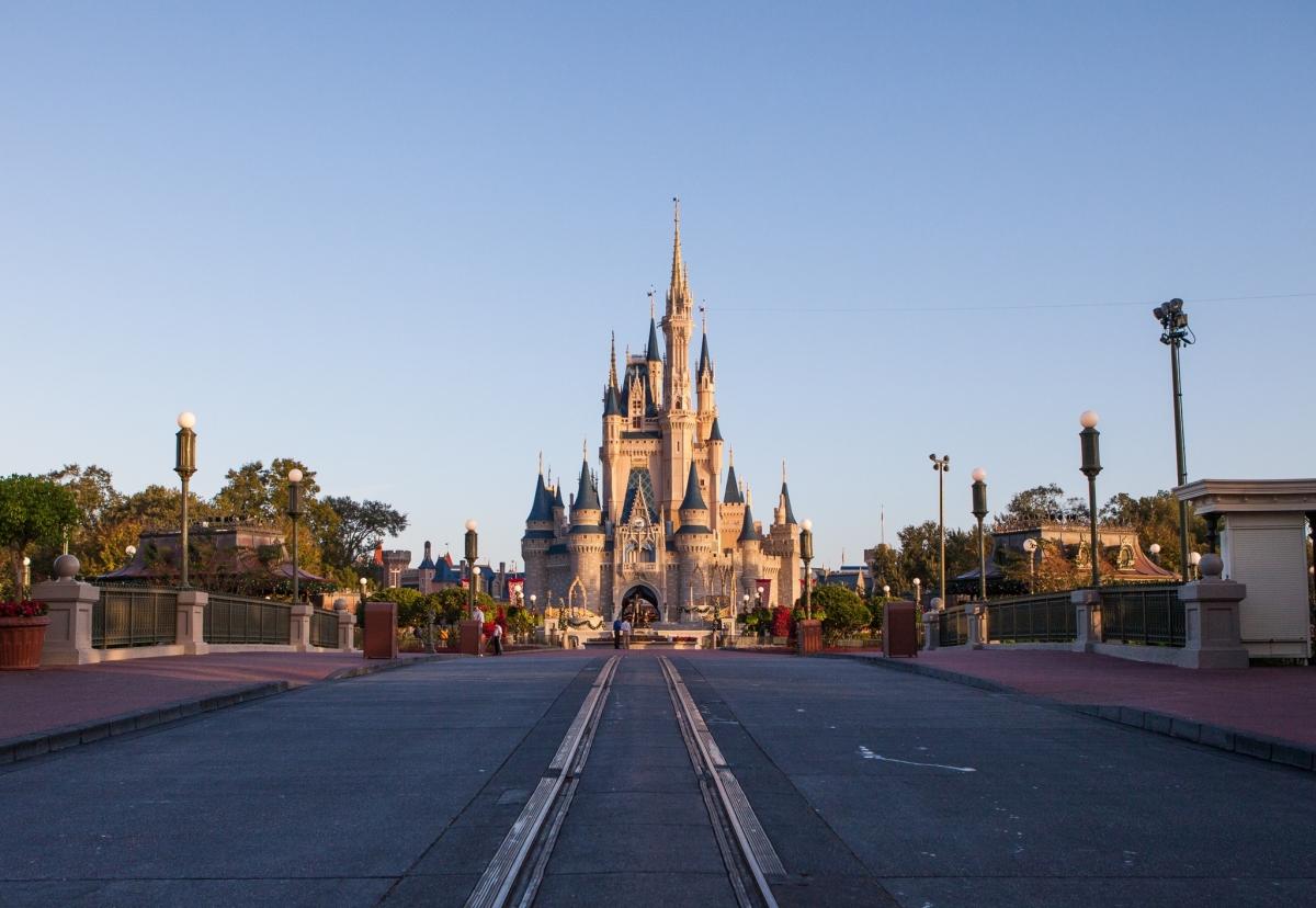 Theme Park Review • Walt Disney World Magic Kingdom ...