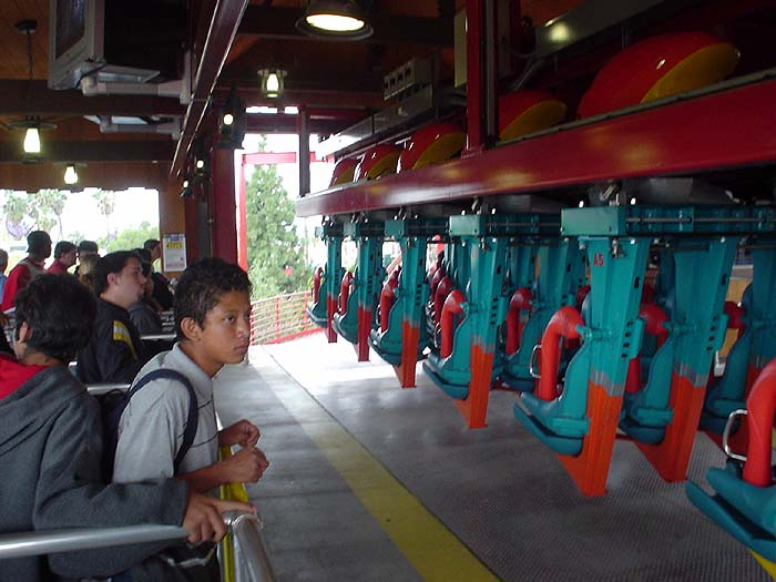 knotts berry farm rides silver bullet. Here we are at Silver Bullet,