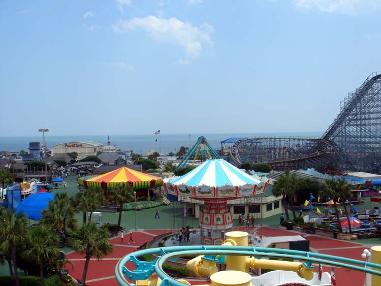 Heres A Good Overview Of The Myrtle Beach Pavilion It Was Nice Reminded Me Lot Santa Cruz Boardwalk