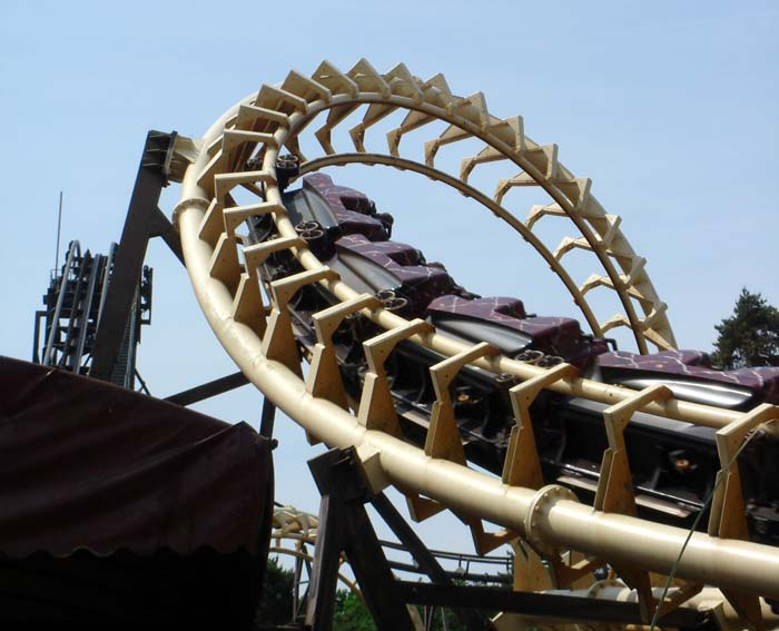 how to get to alton towers from london