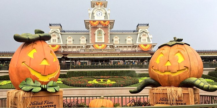 Mickey's Not-So-Scary Halloween Party!