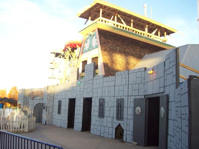 Theme Park Review • Photo TR: Sam and Matt go to Elitch