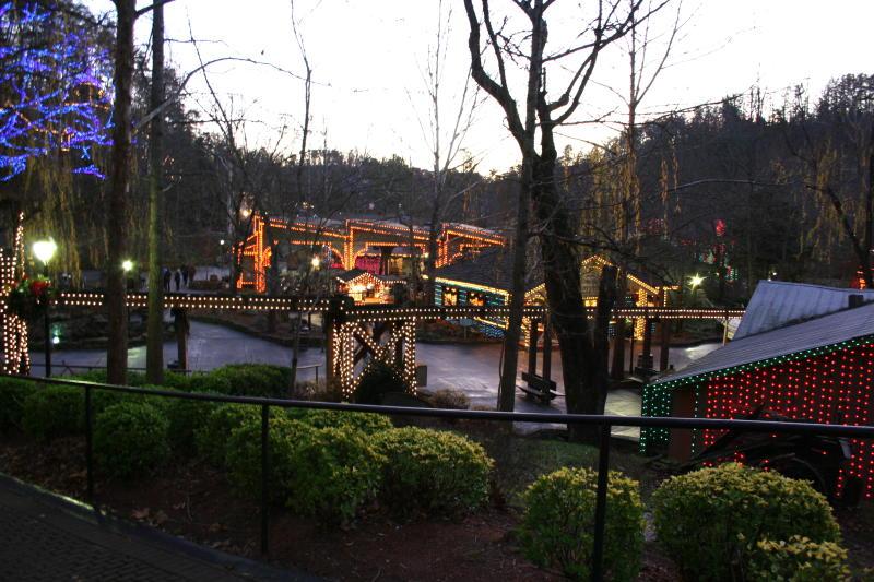 hole theme park Glory