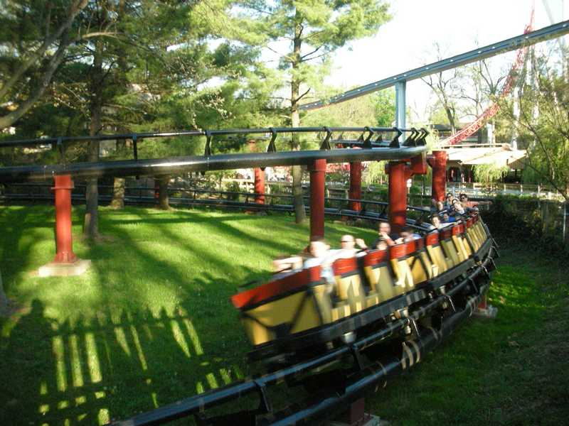 Theme Park Review • Photo TR: Hersheypark opening weekend