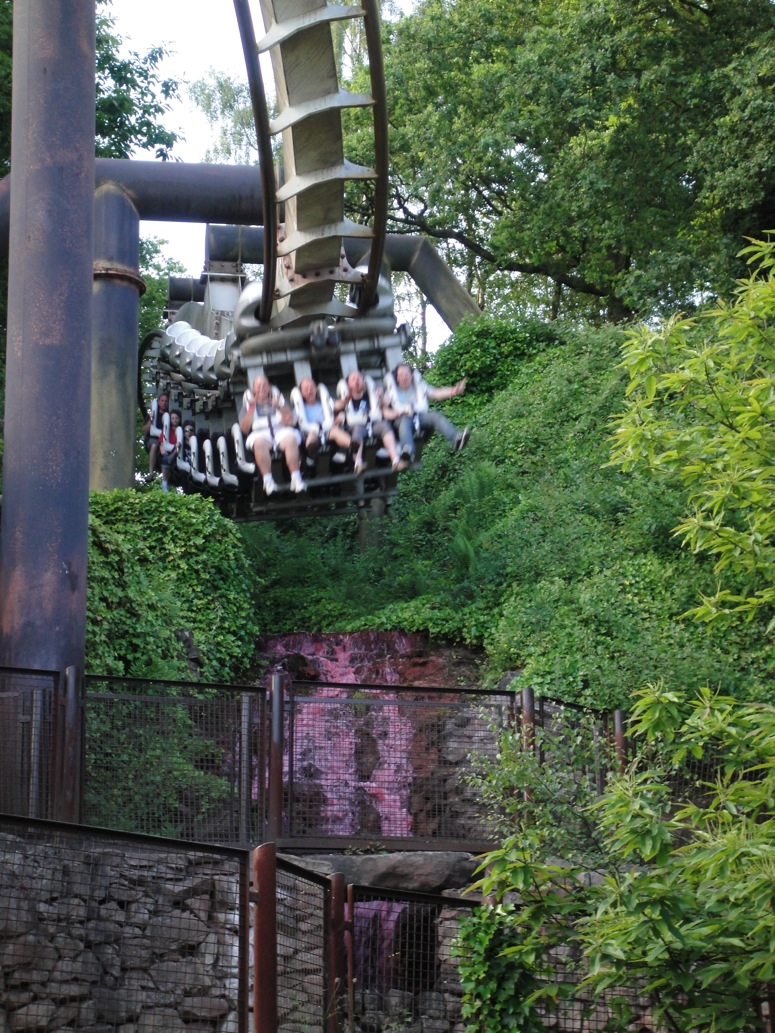 Http www alton towers co uk pages theme park - The Blood Flows Red Well Ok Kind Of Pink All Around The Ride