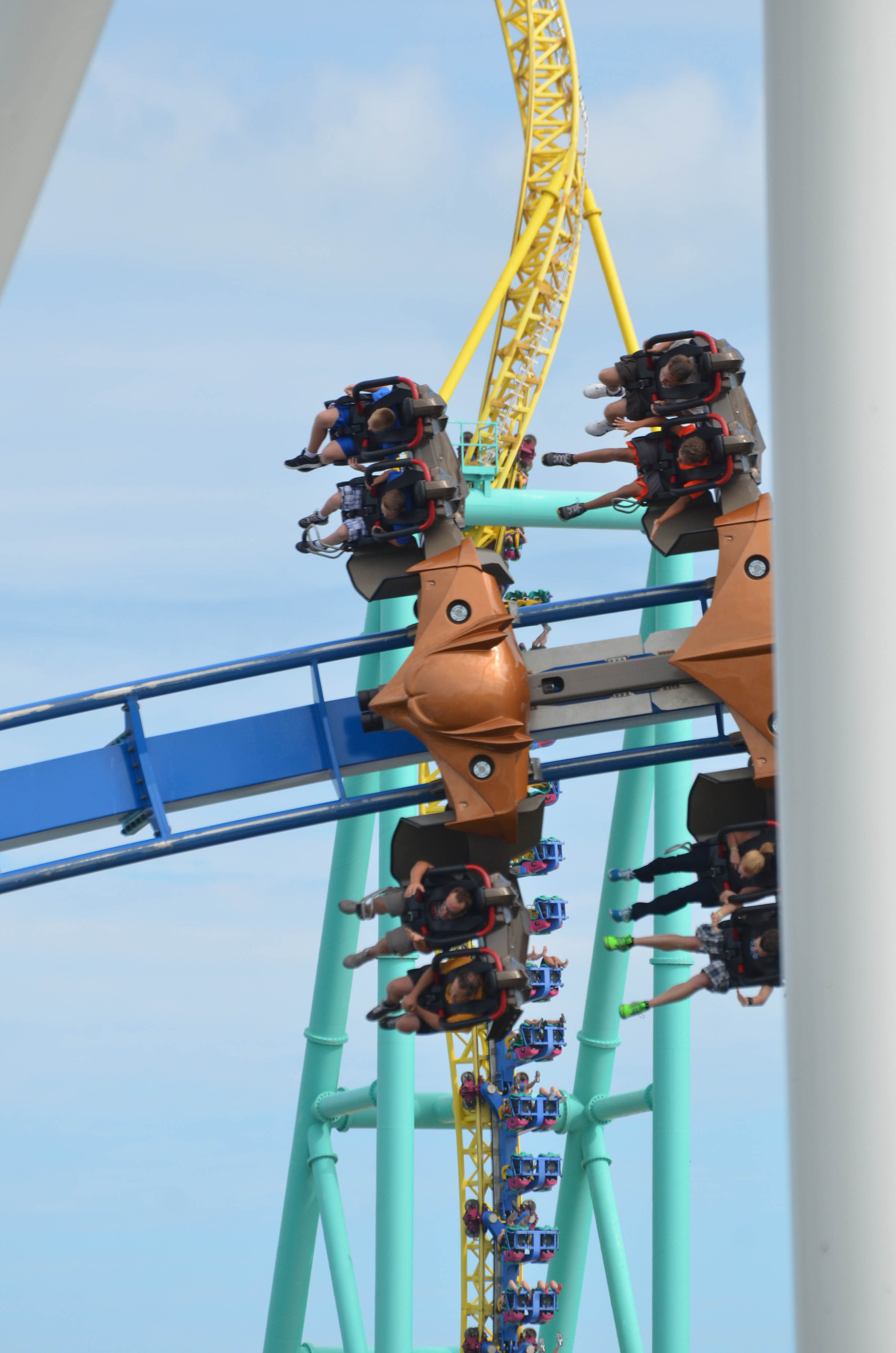 cedar point amusement park essay This is a sales pitch on why our family should choose cedar point as there amusement park of choice for vacation.