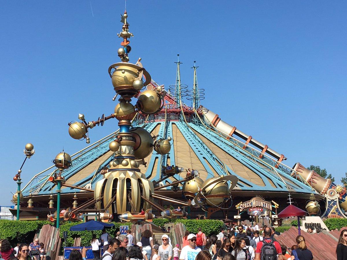 Disneyland paris europe 2016 robb elissa traveling for Amusement parks in paris