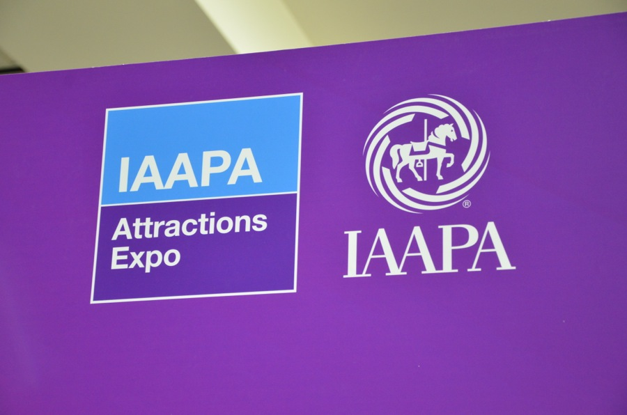 Index of /parks/pimages/iaapa_trade_show/iaapa_2010_convention_photos-orlando