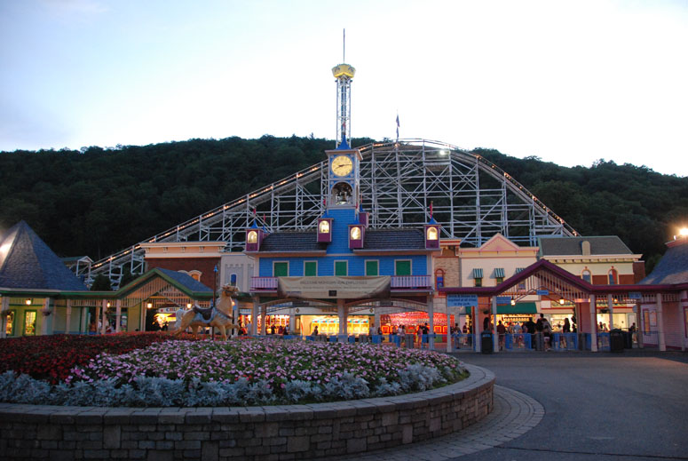 Lake Compounce was built by Gad Norton who allowed a trolley company to build tracks on his land. Whereas a traditional