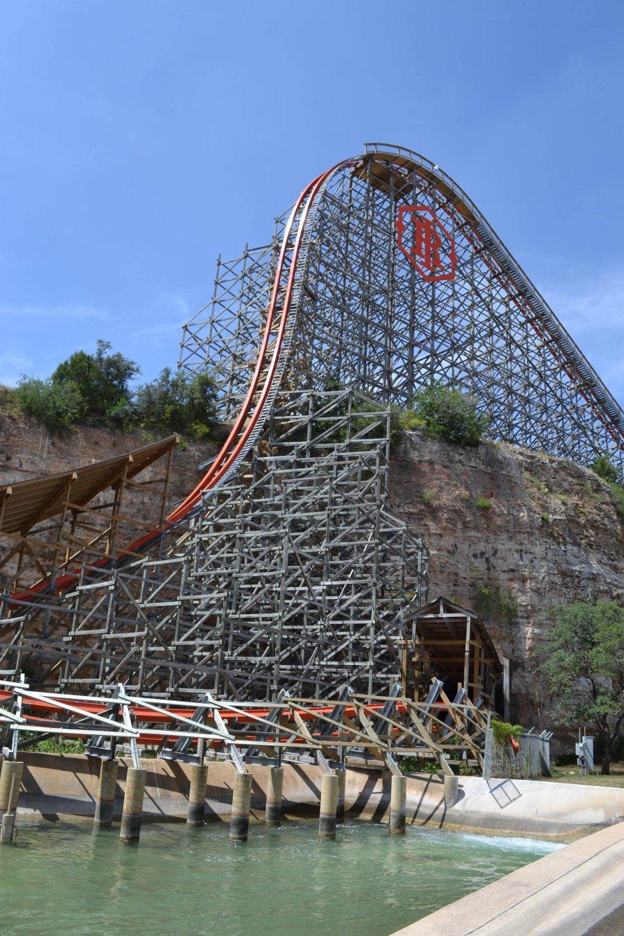 Six Flags Fiesta Texas - Iron Rattler
