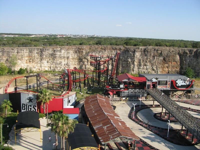 Six Flags Fiesta Texas Pandemonium