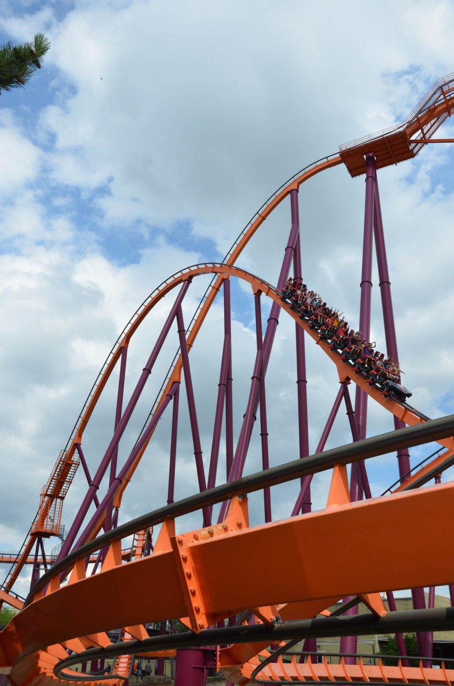 Six Flags Great America - Raging Bull