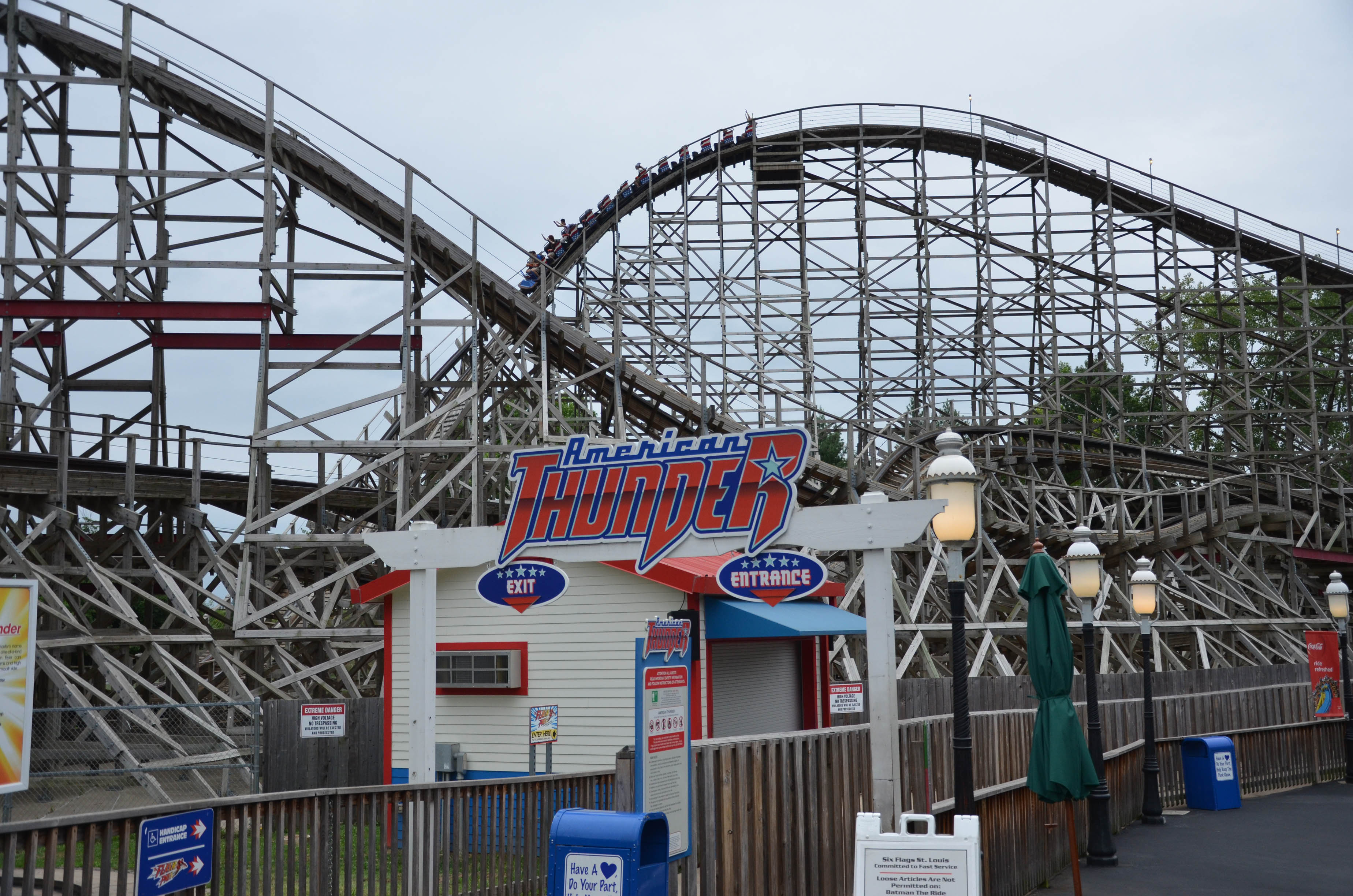 Six Flags St. Louis - American Thunder