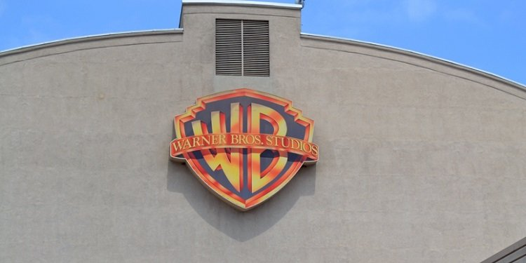 Divv's California Adventure: Warner Bros.!