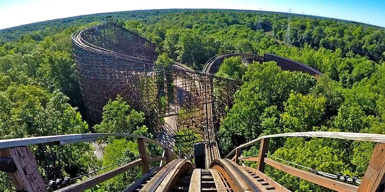 360-Degree Video of Kings Island's Beast!
