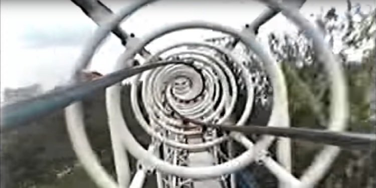 Retro POV Video: Crazy Ultra Twister Coaster!