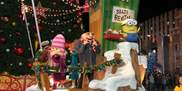 TPR Previews the Holidays at Universal!