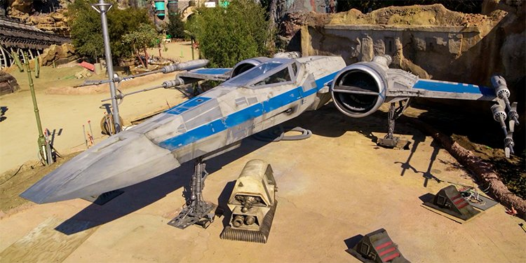 Star Wars Galaxy's Edge Preview!