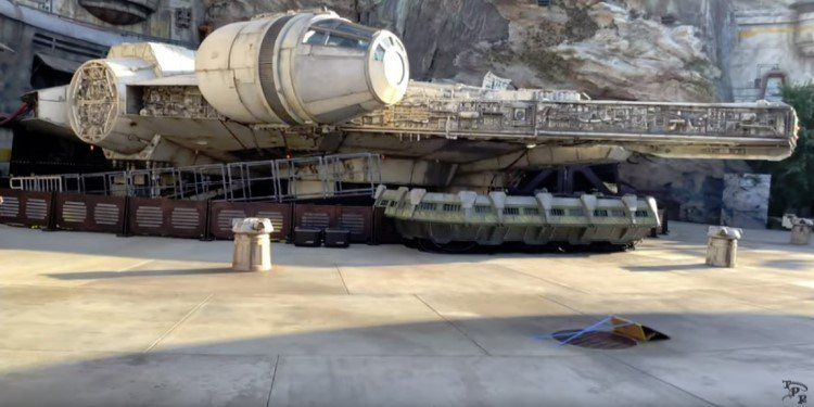 Walking Tour of Star Wars: Galaxy's Edge!