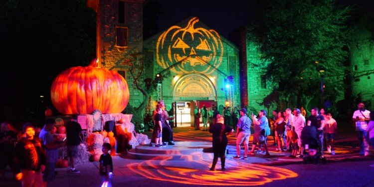 Howl-o-Scream at Busch Gardens Williamsburg!