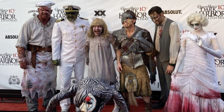 Media & Opening Night at Dark Harbor!
