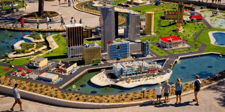 Legoland Florida to Celebrate 10th Anniversary!